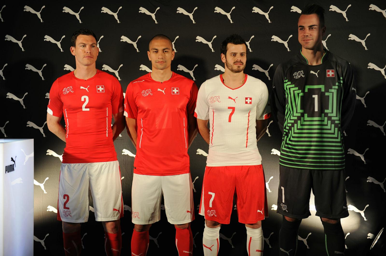 Rating World Cup kits: 32-25