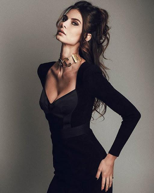 Alexandra Zimny Photos
