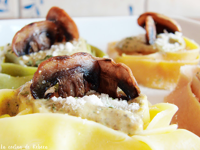 Pappardelle con salsa de champiñones