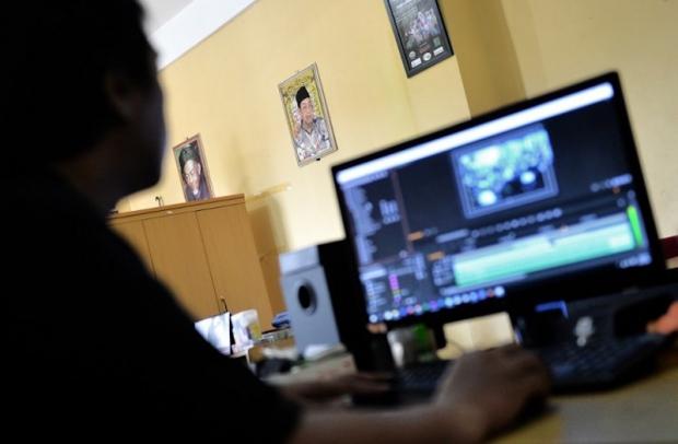 Indonesia's Muslim cyber warriors take on Islamic State