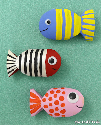 https://www.thecrafttrain.com/paper-roll-fish/