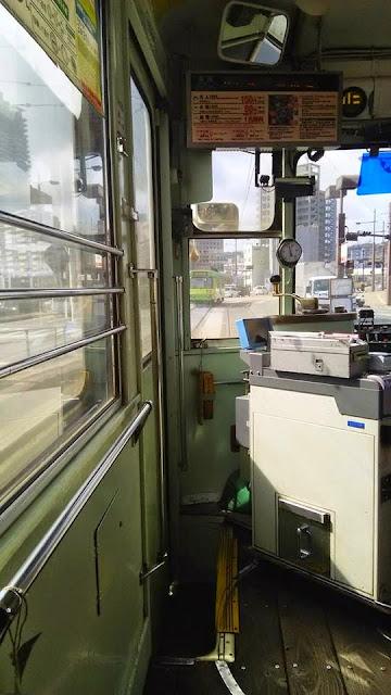 熊本市内を走る市電