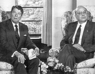 Craxi with the US president Ronald Reagan, with whom he clashed over the hijacking of the Achille Lauro cruise ship