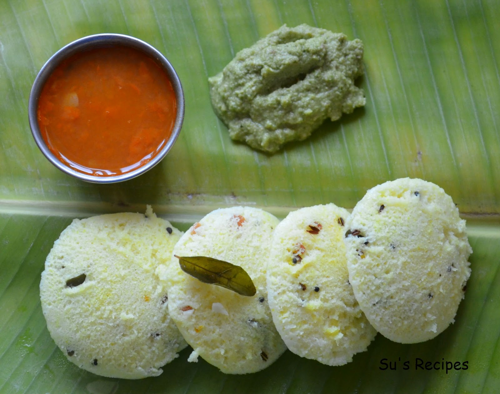 Kanchipuram Idli, spiced idli, spiced rice cakes, idlies steamed in banana leaves plantain leaves, plate idli