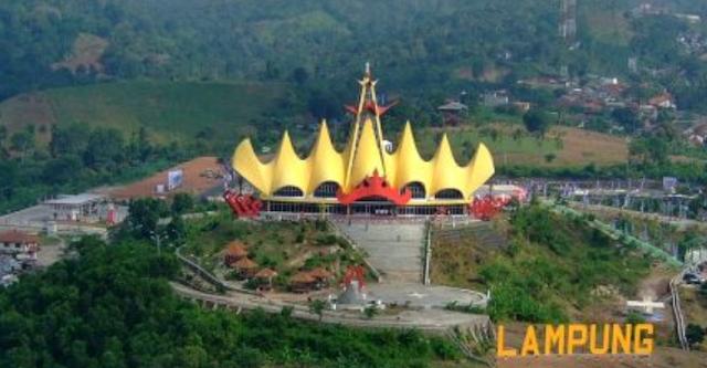 Wisata Lampung Menara Singer Pemandangan Pelabuhan Bakauheni