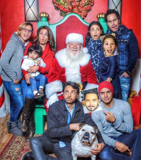 La divertida postal de navidad de los Derbez que se llenó de magia