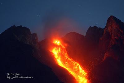 Merapi Incandescent rock fall