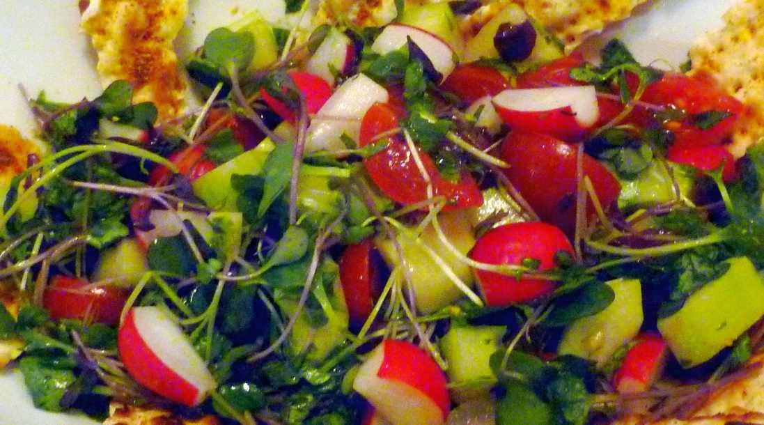 reteta orientala fattoush salata cu legume si suc de rodii