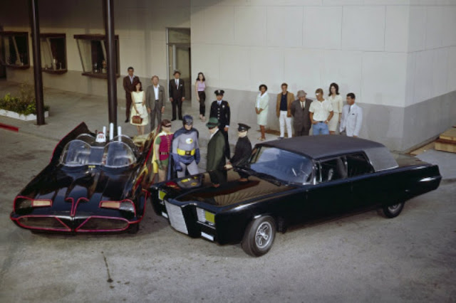 Escena de Batman en set con Adam west