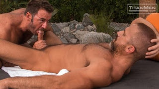 2 Men Kiss – Dirk Caber & Anthony London