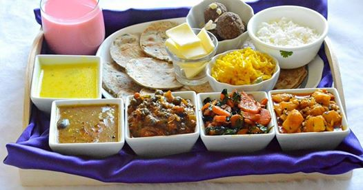 13 Grand Indian Food Thalis Should be Tried At Least Once in Life