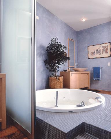 Piastrelle bagno beige e marrone pareti del bagno - Bagno marrone e beige ...