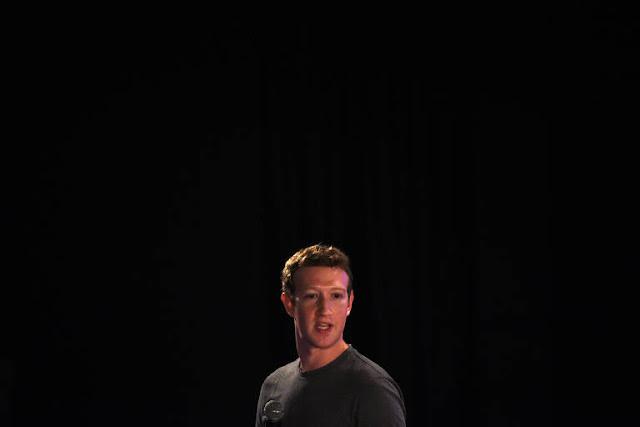 O Facebook anunciou hoje que o News Feed dará prioridade a notícias confiáveis, informativas ou locais.