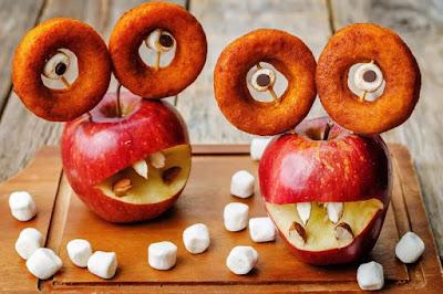 рецепты на Хэллоуин, Halloween, All Hallows' Eve, All Saints' Eve, закуски на Хэллоуин, салаты на Хэллоуин, декор блюд на Хэллоуин, оформление Хэллоуинских блюд, праздничный стол на Хэллоуин, угощение для гостей на Хэллоуин, кухня монстров, кухня ведьмы, еда на Хэллоуин, рецепты на Хллоуин, блюда на Хэллоуин, оладьи, оладьи из тыквы, тыква, праздничный стол на Хэллоуин, рецепты, рецепты кулинарные, рецепты праздничные, оладьи, тыквенные блюда, блюда из тыквы, как приготовить тыкву, Хэллоуин, на Хэллоуин, из тыквы, что приготовить на Хэллоуин, страшные блюда, блюда-монстры, 31 октября, праздники осенние, Страшные и вкусные угощения для Хэллоуина (закуски, салаты, горячее) http://prazdnichnymir.ru/ Хэллоуин — подборка праздничных рецептов и идейяблоки, пирог яблочный, шарлотка яблочная, из яблок, пироги, еда, кулинария, рецепты кулинарные, советы кулинарные, кухня, к чаю, праздничный стол, пироги яблочные, как испечь яблочный пирог, Домашний бело-розовый зефир, Идеальный яблочный пирог, Оладьи из тыквы с яблоком и изюмом, Сыпучий пирог с яблоками, Тонкие блинчики с карамелизированными яблоками, Тыквенно-яблочные оладьи, Французский яблочный пирог «Татен», Яблоки в глазури с корицей и бренди, Яблоки в карамели на палочке, Яблочная шарлотка, Яблочно-творожные оладьи из тыквы, Яблочные монстры — рецепты и идеи на Хэллоуин, Яблочные пончики с корицей, Яблочный зефир по ГОСТу, как испечь яблочный прог, как приготовить яблочную шарлотку, рецепты из яблок, рецепты с яблоками, что можно приготовить из яблок, пироги с фруктами, пироги фруктовые, оладьи с яблоками рецепт с фото, яблочный зефир в домашних условиях, яблоки в домашних условиях, яблочный зефир рецепт с фото, пирог с яблоками рецепт с фото, оладьи рецепт с фото, лучшие рецепты с яблоками, вкусные рецепты с яблоками, пирог на день рождения, рецепты на яблочный спас,яблоки, пирог яблочный, шарлотка яблочная, из яблок, пироги, еда, кулинария, рецепты кулинарные, советы кулинарные, кухня, к чаю, праздничный стол, пироги