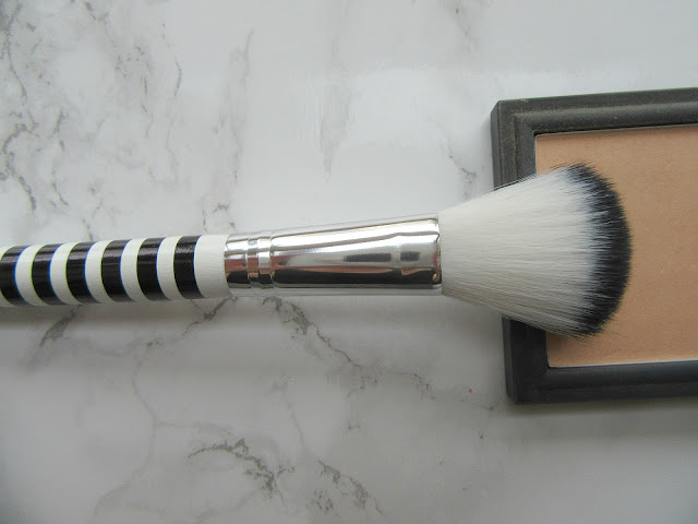 Lidl small powder brush black and white
