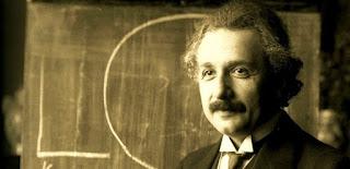 Orang Paling Jenius Dengan IQ Tertinggi Di Dunia Albert Einstein
