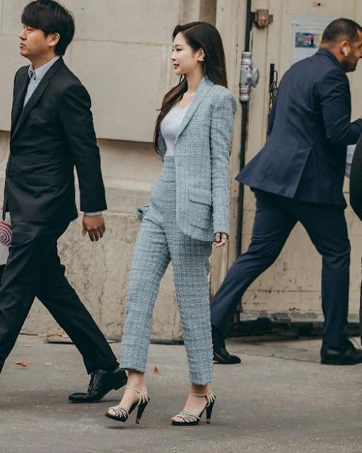 Intip Gaya Jennie BLACKPINK di Paris Fashion Week