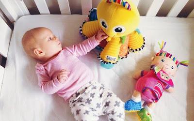 Boneka untuk Bayi