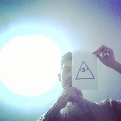 Selfie para instagram illuminati.
