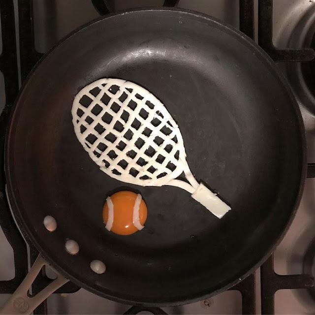 telur berbentuk raket dan bola tenis
