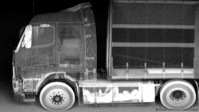 Ηγουμενίτσα: Είχε κρύψει στο φορτηγό του 7 μετανάστες