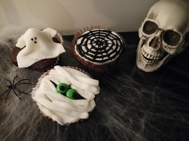 Halloween baking cupcakes recipe