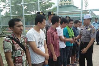 Polres Kampar Menyerahkan 10 Napi Kabur ke Lapas Bangkinang