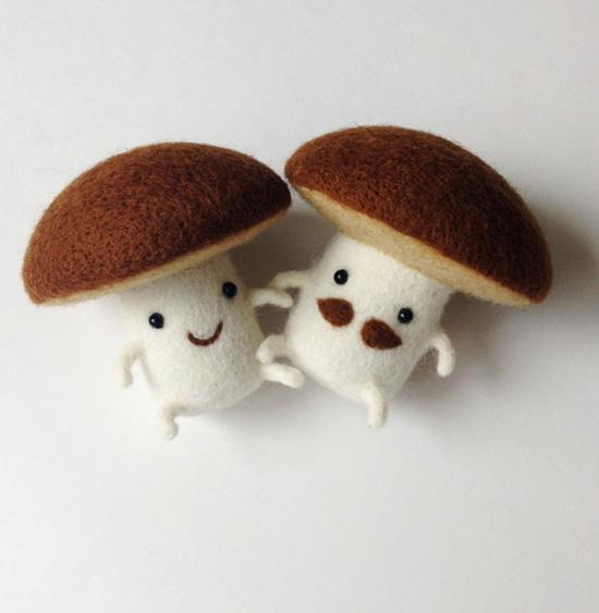 felt mushroom couple