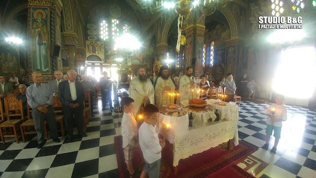 Θεία λειτουργία στον εορτάζοντα Ιερό Ναό Αγίας Τριάδος (Μέρμπακα)
