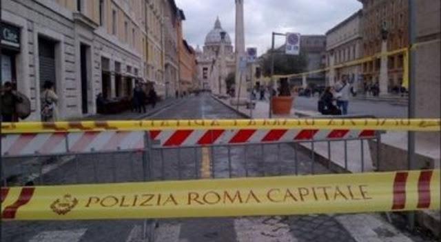 سيارة تصدم المارة وسط العاصمة الإيطالية روما وأنباء عن وقوع 4 جرحى بينهم طفلان