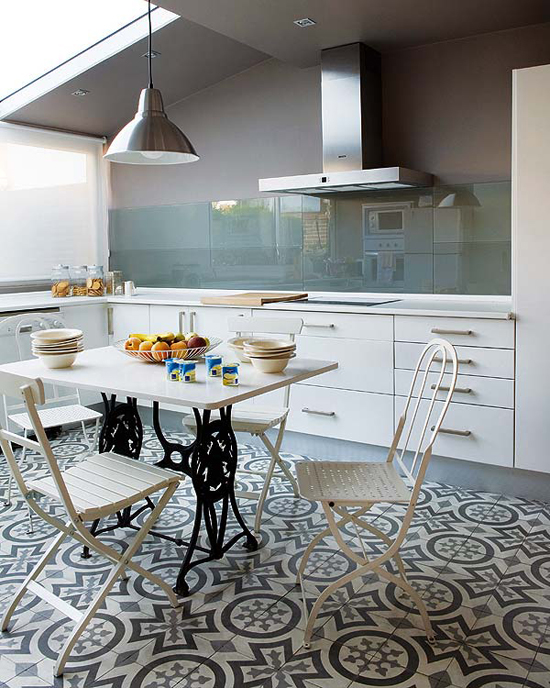 Contemporary kitchens with cement tiles| Design by María De La Osa.