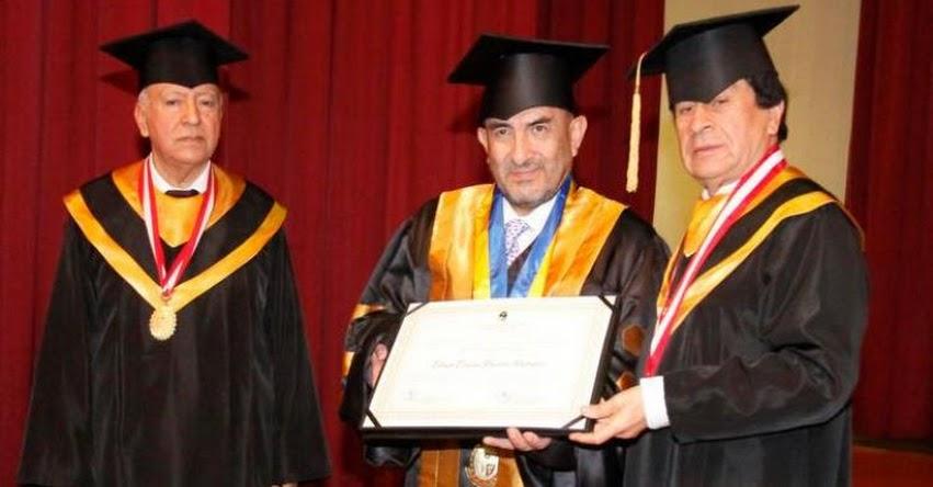 Universidad La Cantuta otorgó Honoris Causa a reconocido médico oncólogo, Elmer Huerta