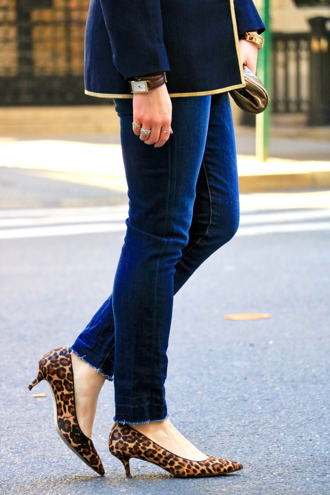 Nyc fashion blogger Kathleen Harper wearing Ann Taylor leopard pumps
