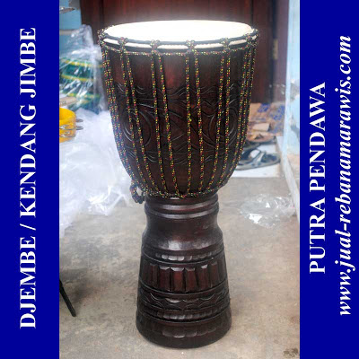 JIMBE PLAYER / DJEMBE