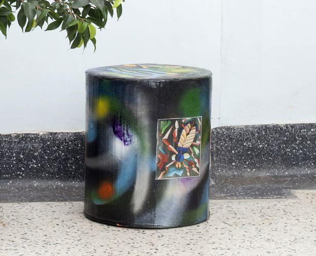 Armario Com Espelho Para Banheiro Na Leroy Merlin ~ Passo a passo reciclando garrafas PET para criar um banquinho Artesanatos Reciclagem