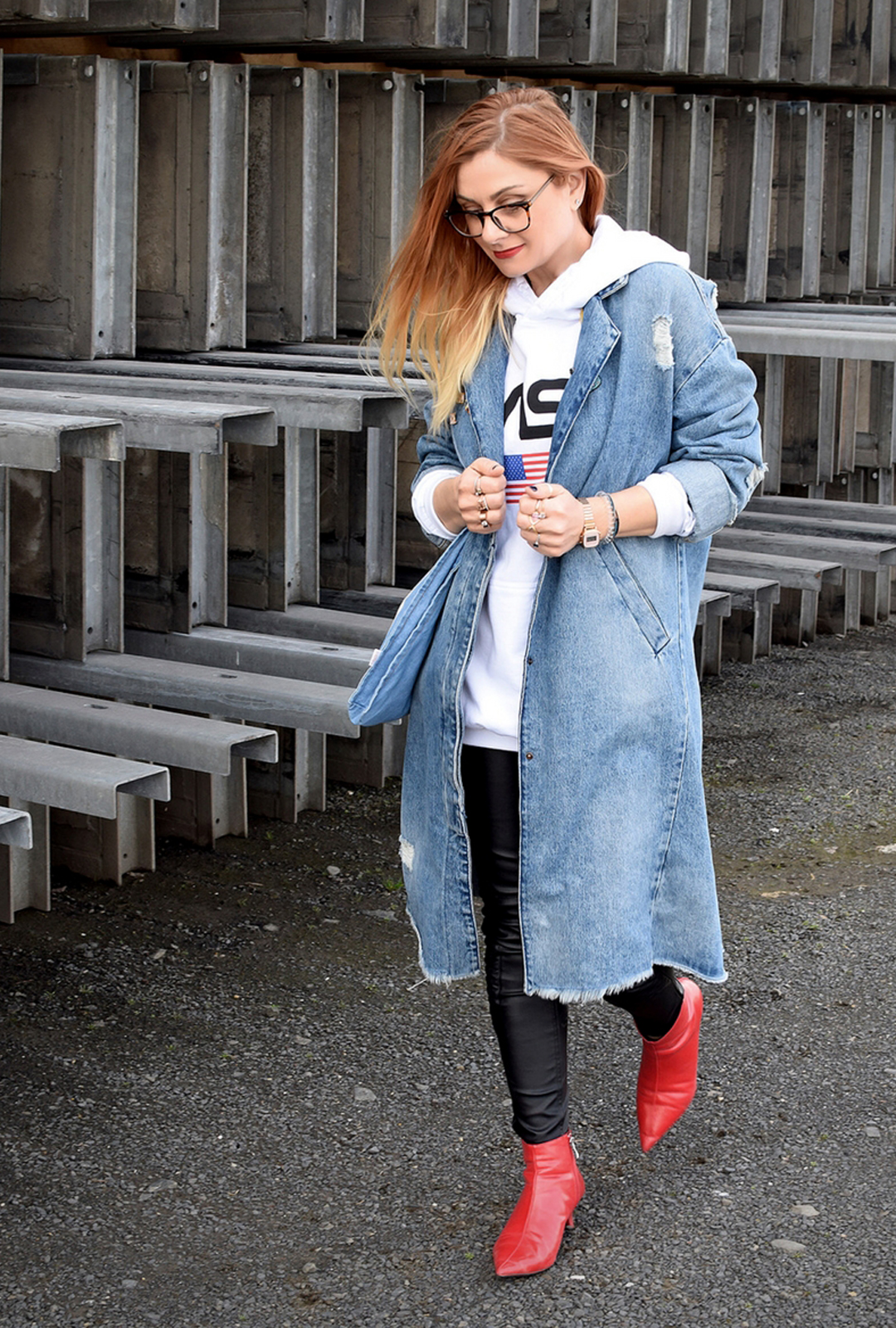 Hoodie in Weiß für Damen mit Kapuze, Statement Hoodie, Print, Modeblog