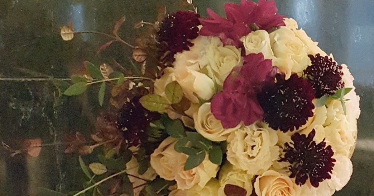 Wedding Gifts For Couples Living Abroad : Divine Floreal: Autumnal Wedding at Island Shangri-La Library
