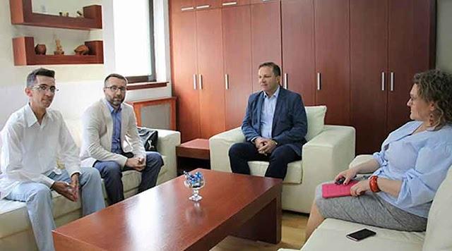 Unterschriften der Petition übergeben: Minister Spasovski verspricht Anerkennung mazedonischer Führerscheine