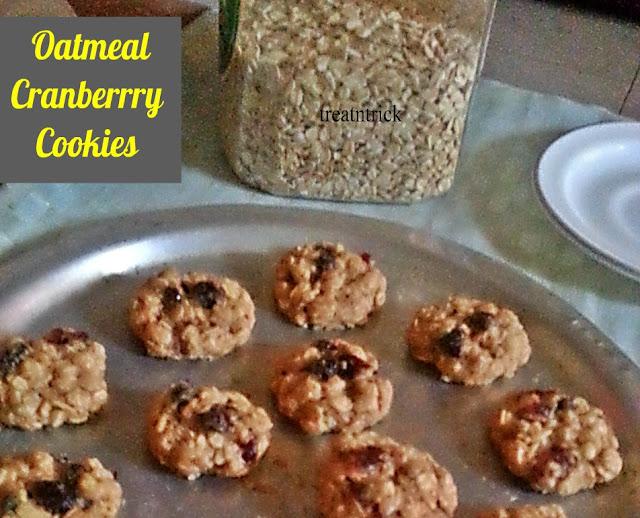 Oatmeal Cranberry Cookies Recipe @ treatntrick.blogspot.com