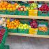 [Eλλάδα]Iδιοκτήτες  μανάβικου προσφέρουν δωρεάν φρούτα και λαχανικα σε άπορους!