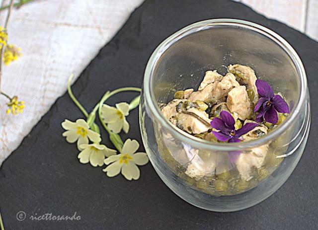 Straccetti di pollo e pisellini ricetta di primavera