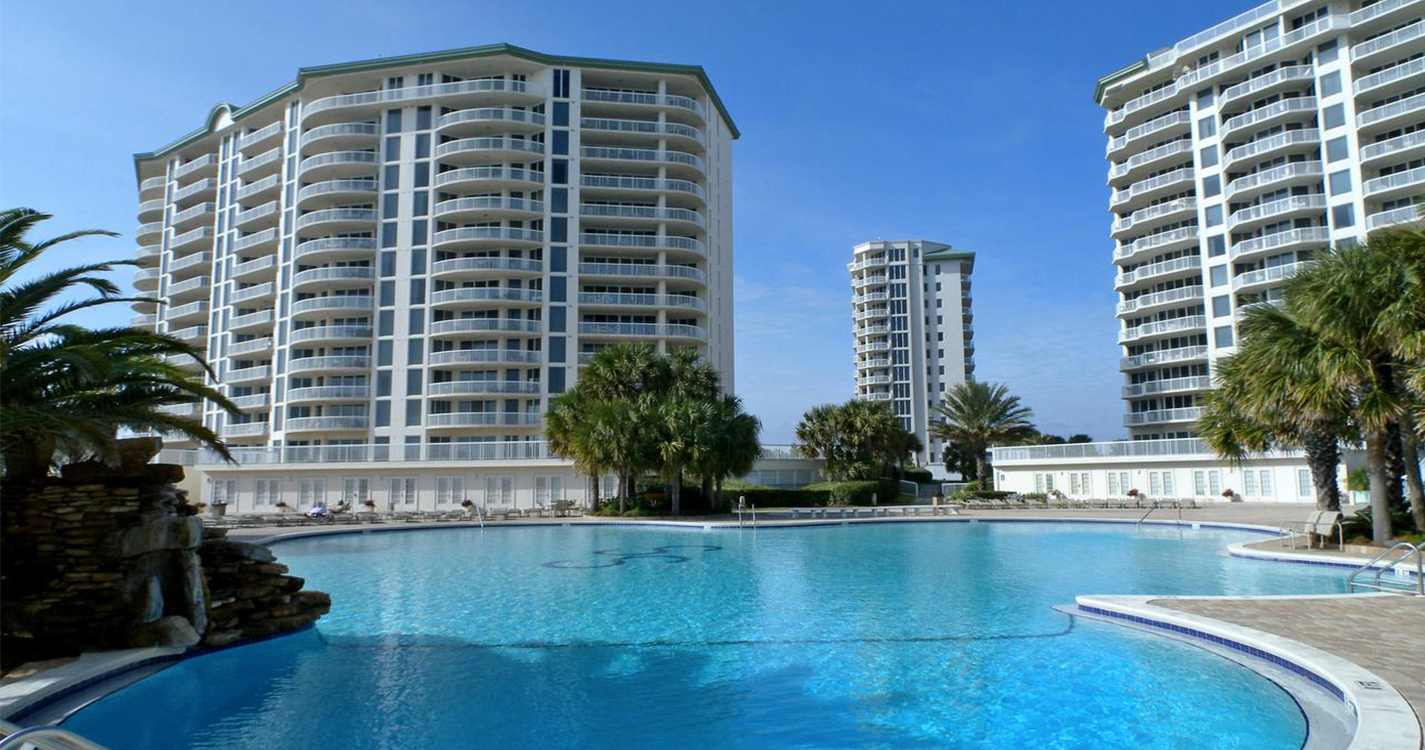 There Are So Many Great Places To Stay In Destin From Luxurious Resorts With All Of The Amenities Hotels Just Basics