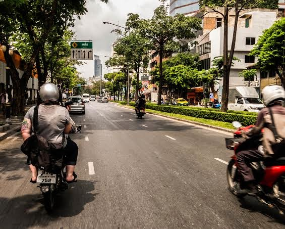 A Scooter Tour of Bangkok // Thailand // A Suitcase and a Stamp