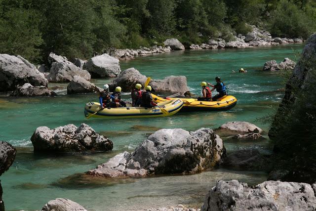 Foto de Rafting en el río Soca. Bovec Ruta en autocaravana por Eslovenia | caravaneros.com