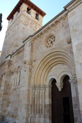 Portada iglesia románica de Zamora