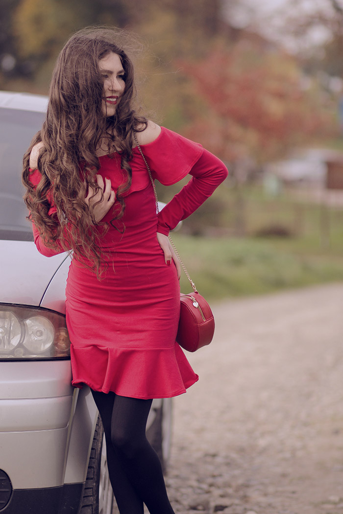 reddress, cinamoonpl, offshoulder, red, car, dress
