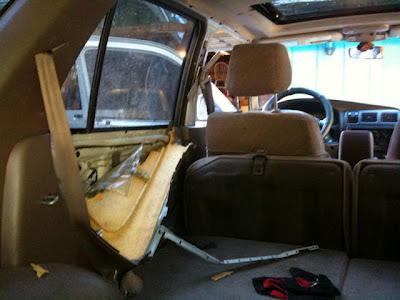 Έκανε το λάθος να ξεχάσει μια σακούλα με ηλιόσπορο στο αυτοκίνητο - Δείτε τι αντίκρισε όταν γύρισε