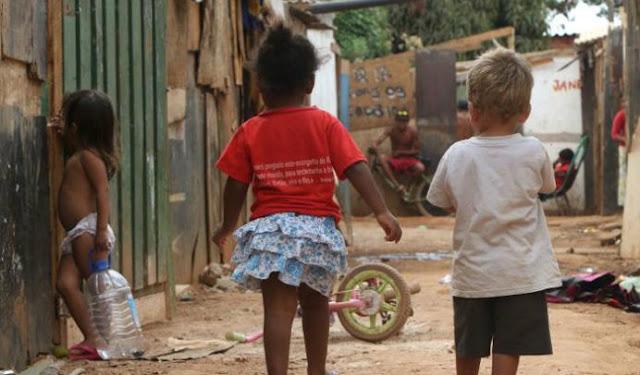 Resultado de imagem para Brasil já tem mais de 5 milhões de crianças na extrema pobreza