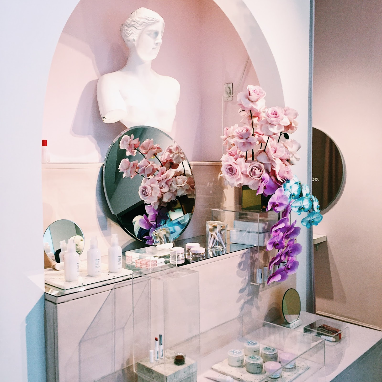 Miss CocoBlue: My Glossier Showroom Experience In NYC