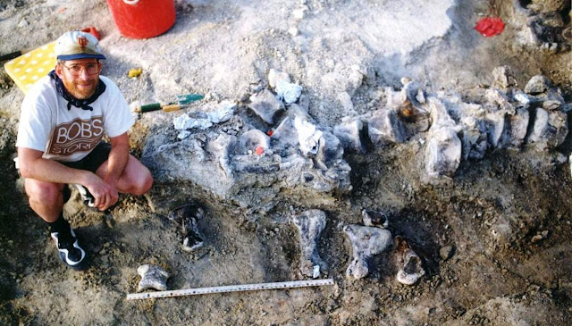 Largest Dinosaur Foot to Date Discovered in Wyoming in US